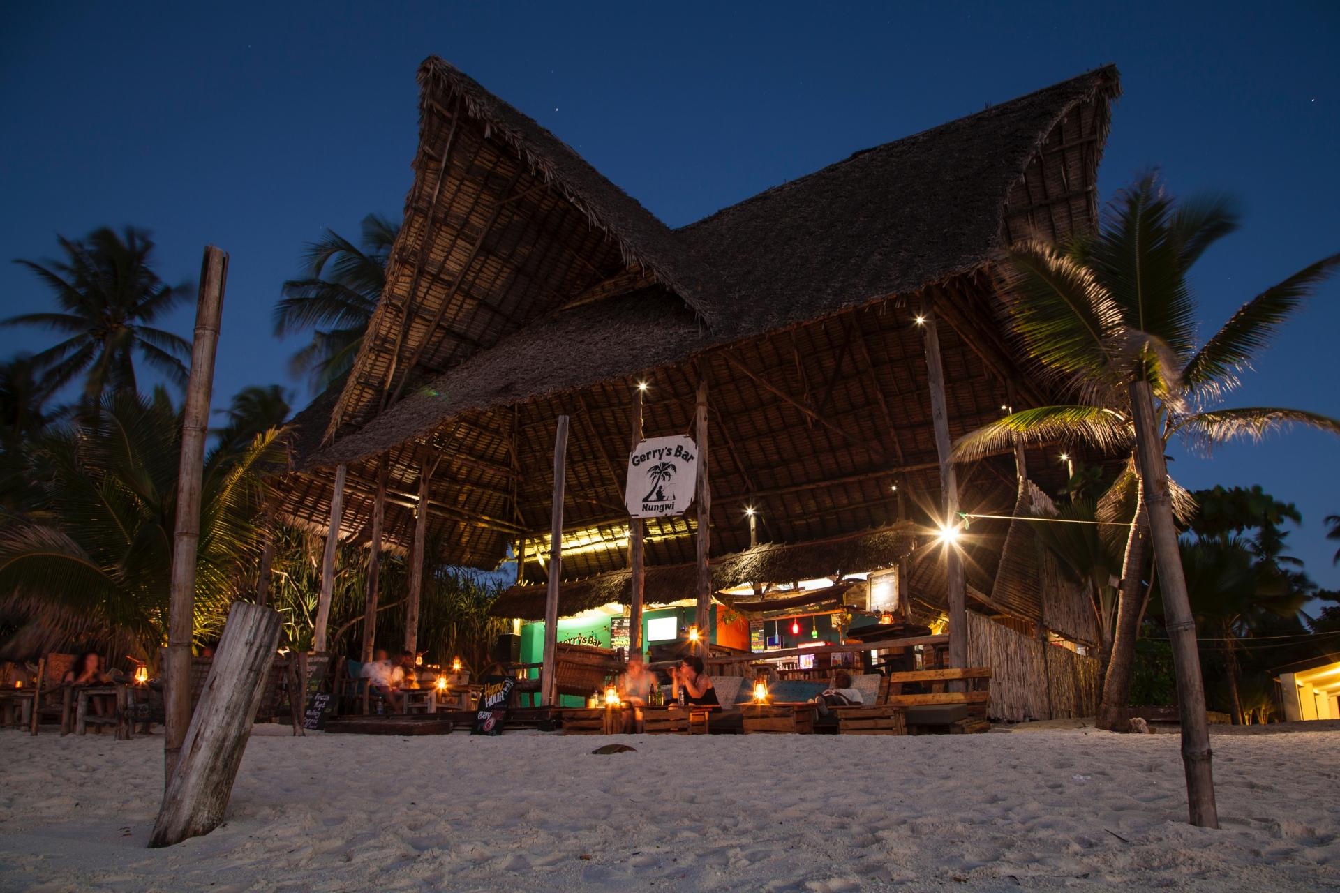 Gerrys-Bar-Evening